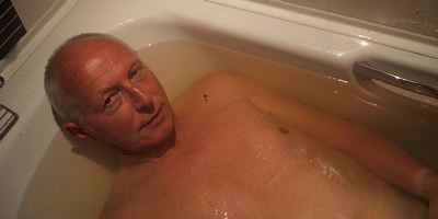 Ray Oddie in seaweed bath